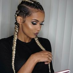 Want a new way to wear your braids but without changing too much at once? You definitely need to take a peek at these Ghana braids hairstyles!