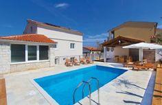 Schöne und komfortable Villa mit Pool und herrlichem Meerblick