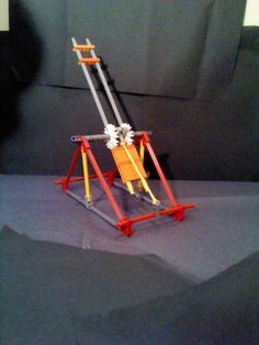 Knex Catapult: This is an really cool catapult! it shoots pretty far and its really simple! This is my original idea. Hope you like it! Popsicle Stick Crafts, Craft Stick Crafts, Craft Sticks, Catapult For Kids, Simple Machine Projects, Diy For Kids, Crafts For Kids, Toddler Crafts, Stem Classes