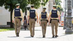 Bayerns Innenminister Joachim Herrmann hat im Bayerischen Landtag die Reform des Bayerischen Polizeiaufgabengesetzes verteidigt. #Polizei #Sicherheit #Bayern Dresses, Fashion, Cops, Police, Information Privacy, Safety, Bavaria, Blue, Vestidos
