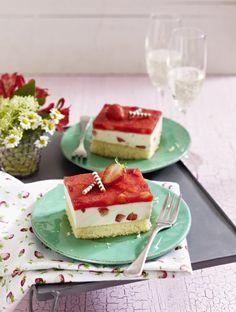 Unser beliebtes Rezept für Erdbeer-Prosecco-Schnitten und mehr als 55.000 weitere kostenlose Rezepte auf LECKER.de.