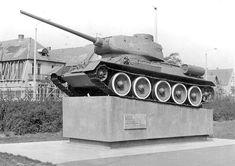 Brinckmansdorf - Ortsteil der Hansestadt Rostock Military Vehicles, Fighter Jets, Berlin, Aircraft, Rostock, History, Aviation, Army Vehicles, Plane