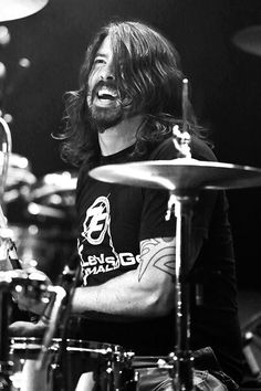 Dave Grohl of Foo Fighters Foo Fighters Dave Grohl, Foo Fighters Nirvana, Great Bands, Cool Bands, Jena, Blue Soul, There Goes My Hero, Divas, Rockn Roll