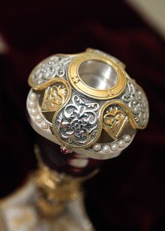 Silver Reliquary with gold decoration and pearls. Byzantine Art, Bookbinding, Wedding Rings, Brooch, Engagement Rings, Pearls, Utensils, Silver, Gold