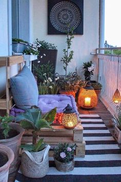 30 Stylish Apartment Balcony Decorating Ideas On A Budget 30 Stylish Apartment B… - Balkon Dekoration Design Balcon, Balkon Design, Apartment Balcony Decorating, Apartment Balconies, Apartment Layout, Apartment Design, Cute Dorm Rooms, Cool Rooms, Farmhouse Side Table