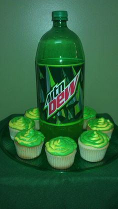 Finally made the infamous Mountain Dew cupcakes from scratch. Yes, they were awesome. For recipe visit All Things Cupcake. and ironically, I am drinking mountain dew Cupcake Recipes, Baking Recipes, Dessert Recipes, Cupcake Wars, Cupcake Cookies, Just Desserts, Delicious Desserts, Yummy Food, Mountain Dew Cupcakes