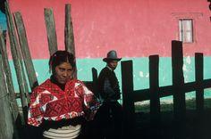 David Alan Harvey - Mexico. Chiapas. 1988. San Cristobal de las casas. Woman in the Mayan village of Tenejapa.