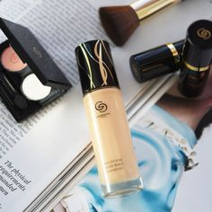 Oriflame Beauty Products, Oriflame Cosmetics, Giordani Gold Oriflame, Beauty Companies, Starting Your Own Business, Skin Tone, Skin Makeup, Dry Skin, Serum