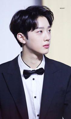 Jinyoung, Boy Idols, Guan Lin, Lai Guanlin, I Want Him, Korean Name, Bright Stars, Beautiful Person, My Crush