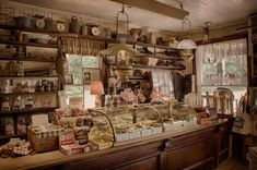 St James General Store, NY: An old-fashioned candy counter. Old General Stores, Old Country Stores, Country Store Display, Country Shop, Tienda Natural, Deco Cafe, Deco Restaurant, Store Counter, Saint James