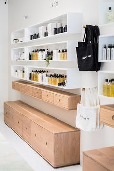 Bondi Wash Opens Second Flagship Store in Sydney : T.C: Bondi Wash Opens Second Flagship Store in Sydney Interior Design Pictures, Interior Design Books, Interior Design Software, Hair Salon Interior, Spa Interior, Retail Interior, Modegeschäft Design, Design Ideas, Design Color