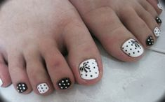 Pedi Art Gallery « Nail Art Express - black and white toenails with bows