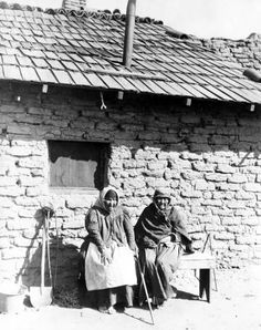 Native Americans posing at San Fernando Mission, circa 1880. Photo credit: Title Insurance and Trust Company. San Fernando, Rey de España. San Fernando Valley History Digital Library.