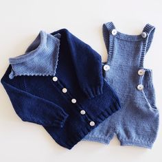 «Mangler lue, så er det ett komplett #strikkesett @lisbeth_84 #knappeskjerf og #olashorts fra @knitsandpieces #knitsandpieces og #70tallsjakka fra…»