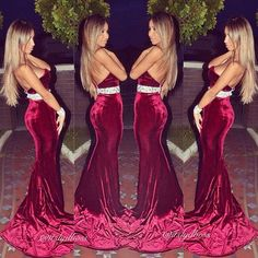 Sydney fashion blogger in this beautiful red velvet dress