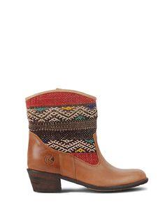 Kiboots Inez Ankle Boots in Size 7 - dainty lion