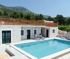 Luxusvilla in der Nähe des Goldenen Horns Zlatni rat in Bol auf Brac, Kroatien