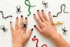 Deavita est en train de partager avec vous une superbe sélection d'idées à à reproduire selon vos envies pour réussir le nail art Halloween facile !