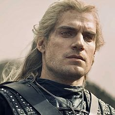 Henry Cavill as Geralt of Rivia Henry Cavill, The Witcher Wallpapers, The Witcher Enhanced Edition, The Witcher Series, The Witchers, Superman, Old Fashioned Love, The Witcher Geralt, Flowers In Hair