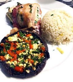 Here's an easy recipe for a Stuffed portobello mushroom with lots of delicious ingredients and a bacon-wrapped chicken. Find out more on Delishee. Bacon Wrapped Chicken, Stuffed Mushrooms, Stuffed Peppers, Chicken Wraps, Portobello, Red Peppers, Baking Pans, Feta, Spinach