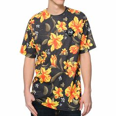 The Neff Commando Floral Print sublimated tee shirt for guys is an ultra fresh look that will have you stylin' for miles. The Charcoal Grey colorway is brought to life with the sublimated floral print, while the lightweight construction of this Neff crew