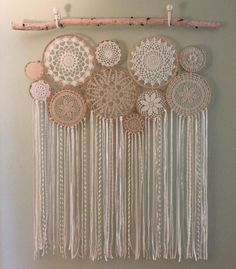 New Crochet Christmas Doily Dream Catchers 58 Ideas Doilies Crafts, Yarn Crafts, Home Crafts, Diy And Crafts, Arts And Crafts, Doily Dream Catchers, Dream Catcher Bedroom, Doily Art, Crochet Dreamcatcher