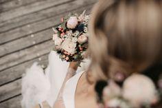 Bridal Bouquets, Portrait, Crown, Photography, Wedding Photography, Fotografie, Photograph, Headshot Photography, Wedding Bouquets