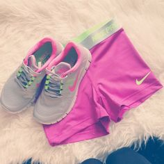 2014 cheap nike shoes for sale info collection off big discount.New nike roshe run,lebron james shoes,authentic jordans and nike foamposites 2014 online. Nike Shoes Cheap, Nike Free Shoes, Nike Shoes Outlet, Cheap Nike, Workout Attire, Workout Wear, Pink Workout, Workout Shorts, Athletic Outfits