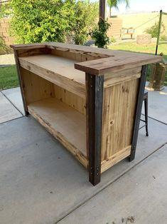 Diy Home Bar, Diy Bar, Bars For Home, Rustic Log Furniture, Bar Furniture, Metal Bar, Wood And Metal, Outdoor Wood Bar, Western Bar
