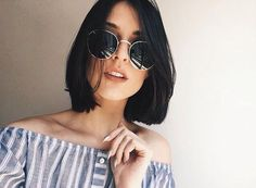 Straight hair is a type of hair that clearly shows the color of hair, as well as being a hair type that every woman wants. Whether thin or thick, straight hair. Short Haircuts, Trendy Hairstyles, Short Straight Hairstyles, Brunette Hairstyles, Medium Hairstyles, Black Hairstyles, Hairstyles 2018, Hair Day, New Hair