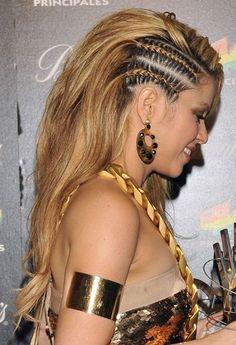 Amazing Shakira's style - Women Styler