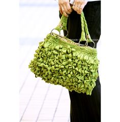 Bag Tutorial: Shaggy Bag With Lining | Free Pattern & Tutorial at CraftPassion.com