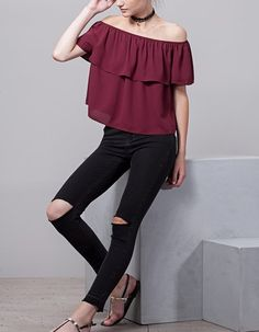 Fall in love with the new women's collection from Stradivarius. Discover the latest trends in clothes, accessories and shoes for Autumn/Winter Get inspired! Off Shoulder Tops, Off Shoulder Blouse, New Outfits, Spring Outfits, Dressing, Style Inspiration, Couture, Female, Vestidos