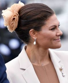Sep 7, 2021 | Royal Hats Princess Victoria Of Sweden, Crown Princess Victoria, Princess Sofia, Queen Silvia, Swedish Royals, Silk Roses, Black Feathers, White Silk, Black And Navy