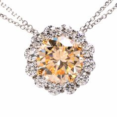 This dazzling and sparkling necklace is a combination of true brilliance and fine luxury.