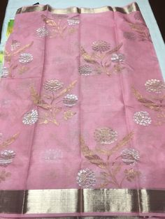 Baby pink pure zari kota with all over gold and silver floral bunches Simple Saree Designs, Simple Sarees, Saree Blouse Designs, Indian Silk Sarees, Ethnic Sarees, Indian Attire, Indian Ethnic Wear, Indian Dresses, Indian Outfits