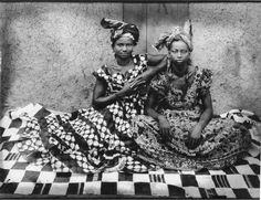 Seydou Keïta . A portrait of Senegalese women from the 50s