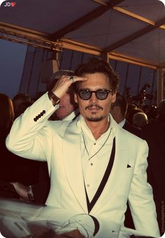 Image about johnny depp in ❤ Jhonny Depp ❤ My idol ❤ by f. Hot Actors, Actors & Actresses, Beautiful Men, Beautiful People, Orlando, Johnny Depp Pictures, Johny Depp, Here's Johnny, Captain Jack Sparrow