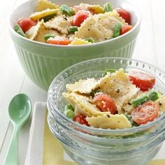 Mediterranean Pasta Caesar Toss Recipe -Get creative using convenience items with a fresh take on ravioli. Try this lightened-up pasta toss for an al fresco dinner, or double it for a family picnic. Pasta Recipes, Salad Recipes, Dinner Recipes, Cooking Recipes, Healthy Recipes, Diabetic Recipes, Oven Recipes, Easy Cooking, Mediterranean Pasta