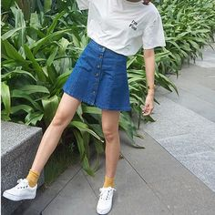 i'm getting this skirt from american apperal and I NEED TO FIND THIS SHIRT DOES ANYONE KNOW WHERE TO GET IT?! i looked on etsy but I cant find anything like it :((