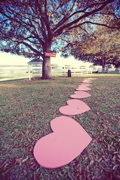 Heart-shaped stepping stones so your 'maids won't sink into the grass in heels! #weddingideas