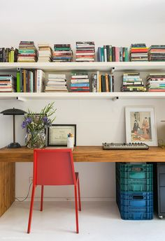 Home Office Furniture Can Make You Work Home Office Furniture, Home Office Decor, Furniture Decor, Home Decor, Interior Flat, Office Interior Design, Office Bookshelves, Sweet Home, Home Remodeling