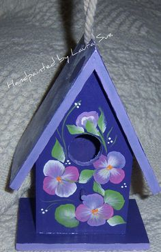 Image detail for -Hand painted Bird House Decorative Purple Pansy by Paintinstuff Decorative Bird Houses, Bird Houses Painted, Bird Houses Diy, Painted Birdhouses, House Painting, Diy Painting, Decoupage, Birdhouse Designs, Bird House Kits