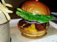 The 11 Best Burger Joints in Las Vegas: Dangerously Delicious at Della's Kitchen
