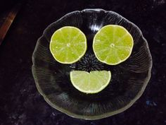 Smiley limes, hehe Fun Food, Good Food, Limes, Smiley, Kids Meals, Emoticon, Lime, Eat Right, Yummy Food