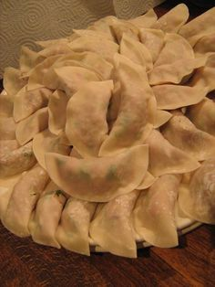 Darjeeling momos for dinner... Darjeeling, Dumplings, Cabbage, Journey, Favorite Recipes, Salad, Smile, Dinner, Vegetables