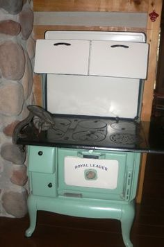 Antique Wood Cook Stove Omw I Want This