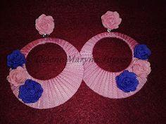Pendientes de flamencas con flores,  forrados en lazo de algodón. Todo hecho a mano.