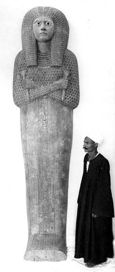 http://www.metmuseum.org/met-around-the-world/images/wb_large/wb_MerytamunNany4.jpg