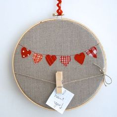 cute little note holder at I Heart Linen!                                                                                                                                                                                 More